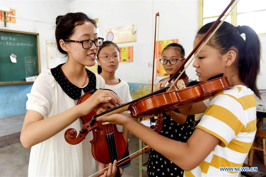 Free courses attract kids during summer vacation in N China's Hebei