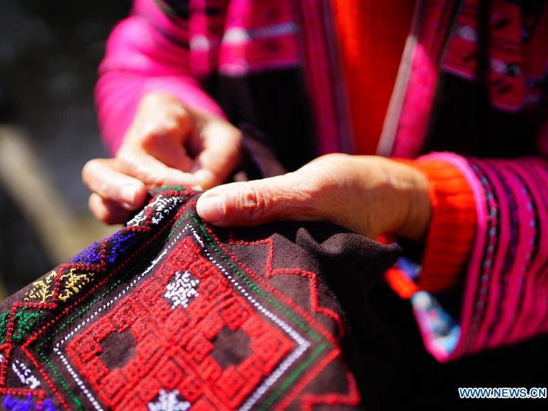 Traditional clothes making of Yao people